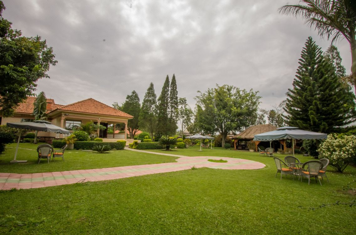 Reservations Bushenyi Bed and Breakfast - B&B Hotel Rooms