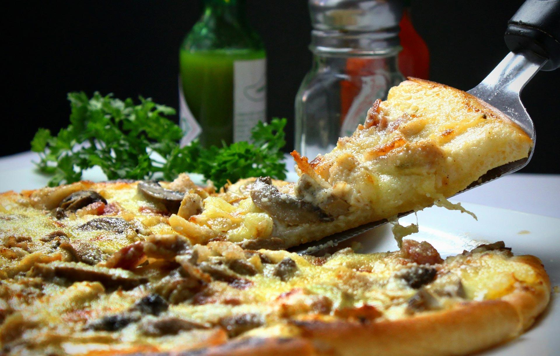 Tuzza Restaurant grill and pizza in Bushenyi
